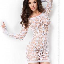 Robe blanche ajourée